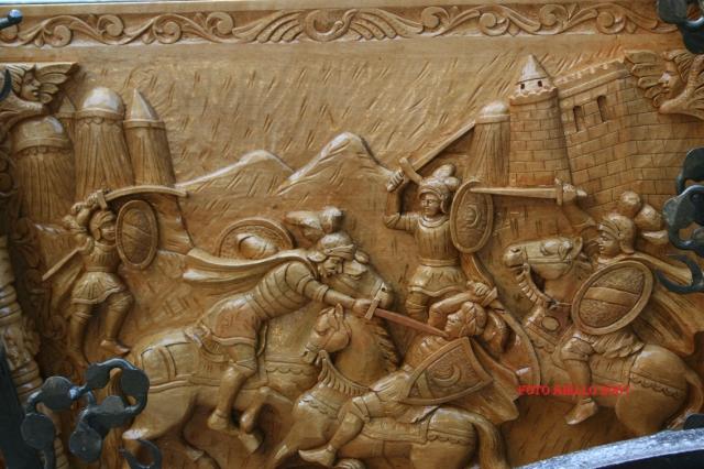 Sponda di carretto siciliano scolpita a bassorilievo da V.Sparacio