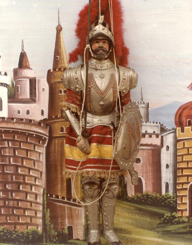 Gano di Maganza,il traditore,morirà squartato da quattro cavalli.