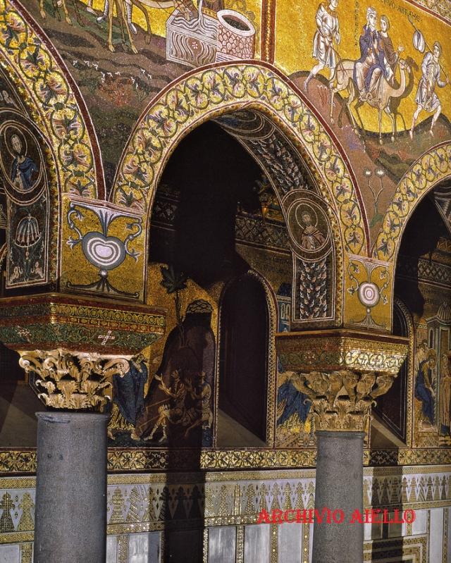 Monreale-Navata sinistra del Duomo.