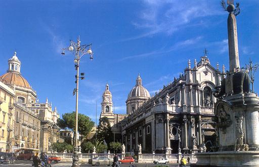 Catania-Piazza Duomo-Cuore della città.