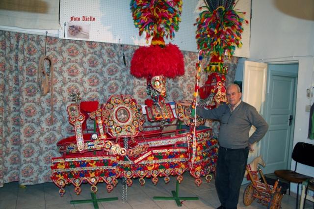 """""""Armiggi""""da parata costruiti dal sig.Corso di Partinico(foto Aiello,2007)"""