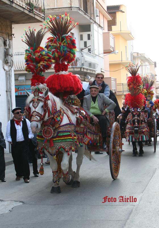 Sfilata di carretti siciliani per la festa di San Giuseppe(foto Aiello,2007)