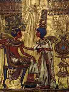 Dorsale di sedia placcata in oro e argento dalla tomba di Tutankhamon